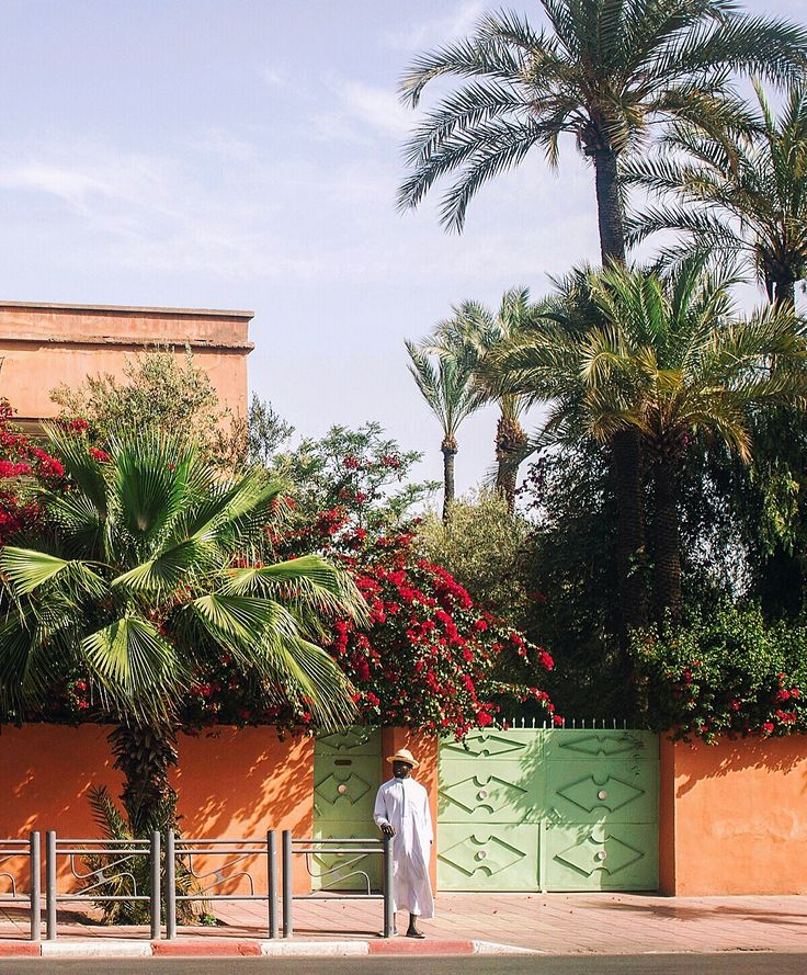 Avenue Yacoub Elmansour. Marrakesh. April 2017. Photographed by Laura Ghitoi.  #Marrakesh