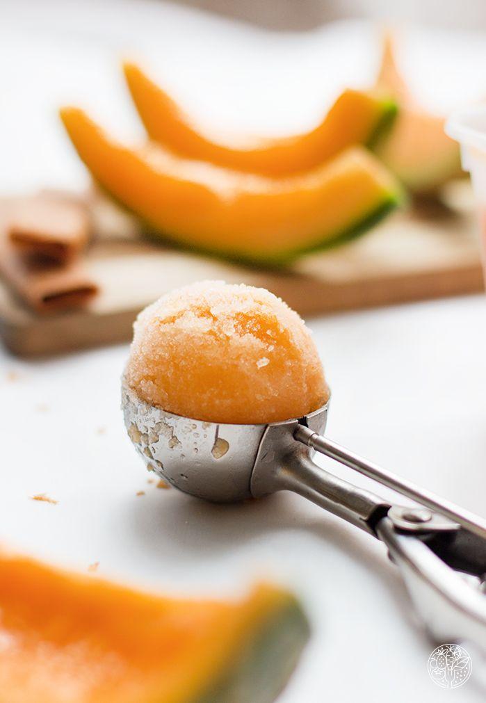 Notre copine blogueuse Marion, du blog COOKEEZ, a testé l'accessoiresorbetièrede KitchenAid en réalisant une recette de sorbet melon. Idéal comme dessert entre amis ou en famille pour régaler les…