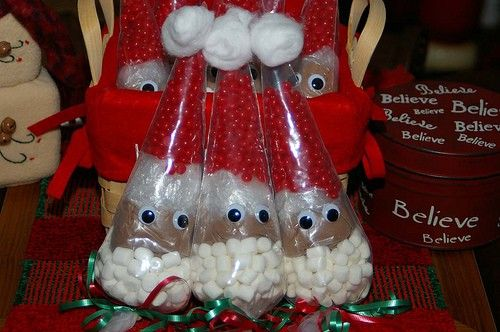 Cute Christmas gifts - snacks - Think I would change the candy to m's. Not a red hot fan. - Pam