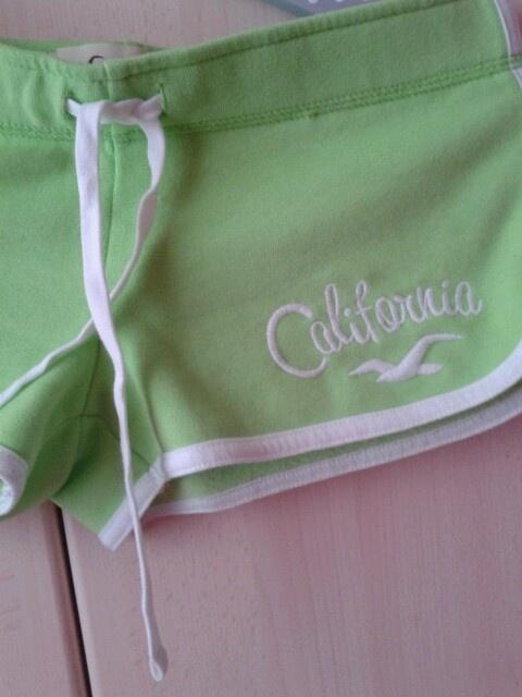Pantalones cortos verdes Hollister