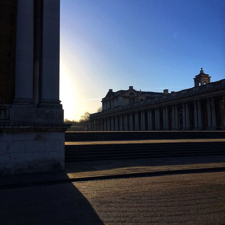 So big so beautiful so lonely. #greenwich #greenwichuniversity #morning #chillife #london #londyn #uniwersytet #meridian