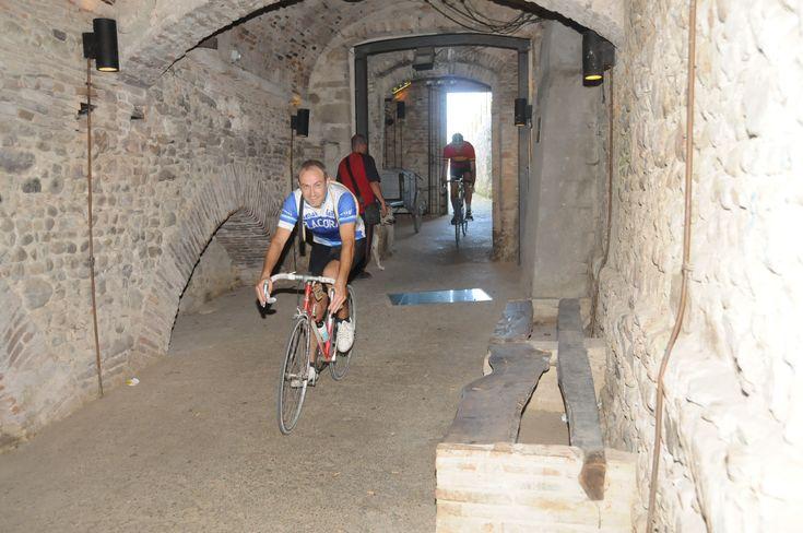 De retro wielerwedstrijd Intrepida in en rond Anghiari is een onvergetelijke ervaring voor iedere wielerliefhebber