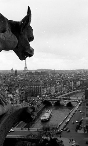 I can't imagine where in the Notre Dame dome was Robert Doisneau, when he took this ominous photo of the Gargoyles of Notre Dame in April 1969... I would call it Inexplicable inevitability