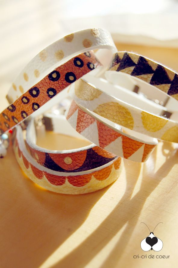 Bracciale in similpelle dipinto a mano