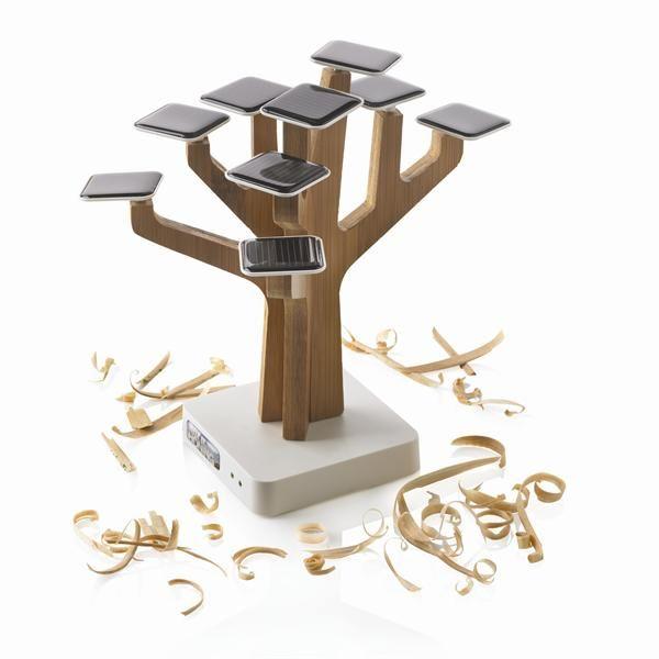 Le Suntree de samm trading utilise 9 feuilles solaires pour recharger votre téléphone mobile ou lecteur MP3 en utilisant la technologie de l'énergie solaire. Un réel capteur pour chaque bureau avec une batterie au lithium rechargeable puissante 1350mAh à l'intérieur. Le chargeur solaire possède une sortie USB et une entrée mini-USB. Comprend un câble USB. Modèle déposé® Disponible à Reims et sur www.sammtrading.fr