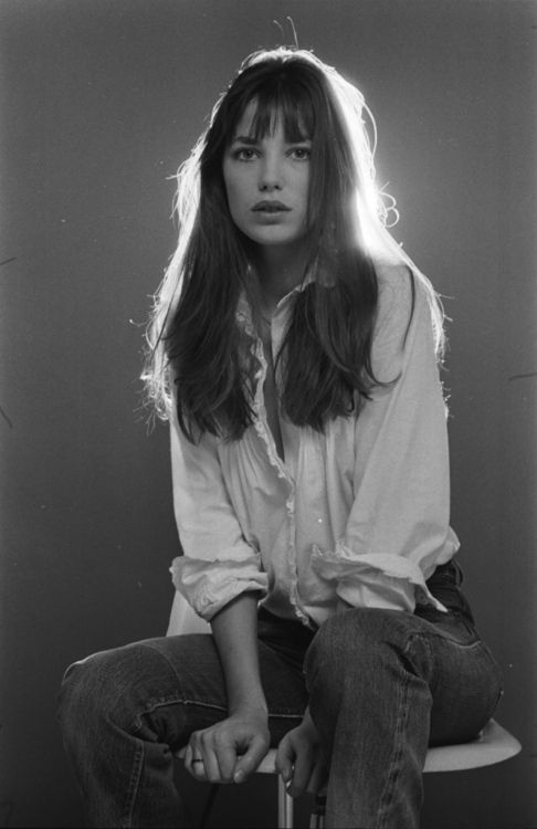 Jane Birkin messy hair and sleeves rolled up