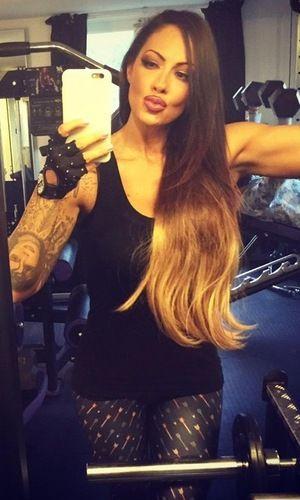 Jodie Marsh flaunts new super-long hair extensions in glam gym selfie #duckface