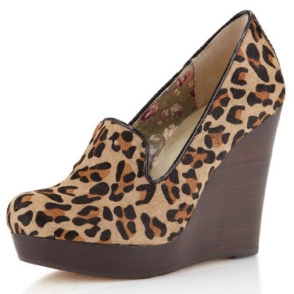 SEYCHELLES ANIMAL PRINT BUDAPEST WEDGE LOAFER!! SEYCHELLES ANIMAL PRINT BUDAPEST WEDGE LOAFER!! In great condition! Barely any sign of wear! Perfect for SPRING! Seychelles Shoes Wedges