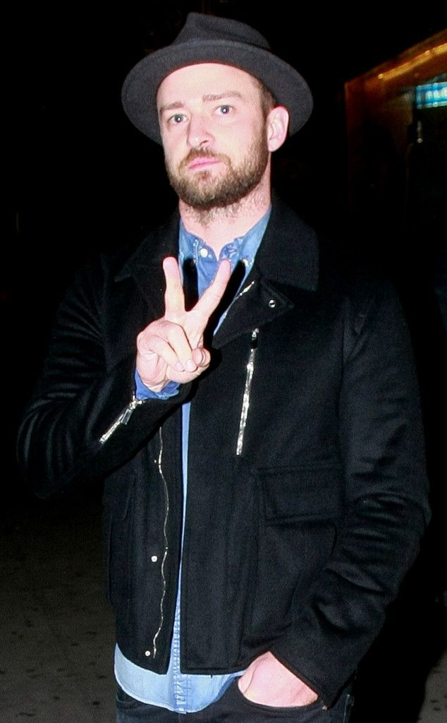 Justin Timberlake from The Big Picture: Today's Hot Pics  The singer flashes a peace sign while leaving a Chris Stapleton concert in Los Angeles.