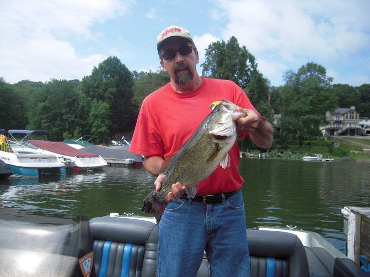 Pin by donna marie sikes on connecticut the nutmeg state for Bass fishing in ct