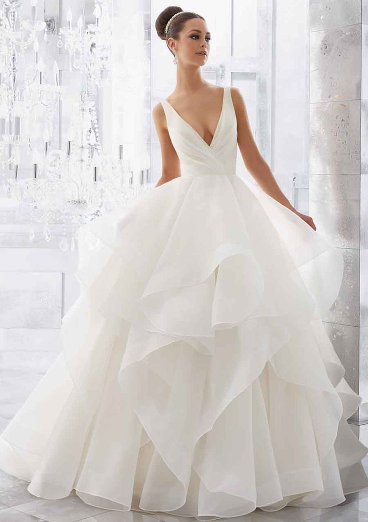 Princes trouwjurk. Mori Lee trouwjurk model 5577 Milly