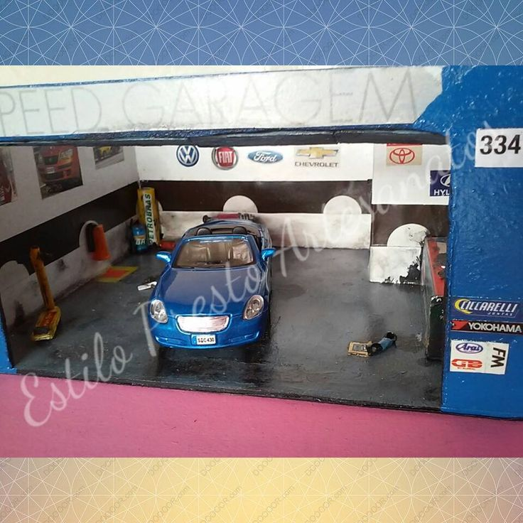 Diorama de Oficina: Lexus SC430 (2005). Escala 1/40 YouTube: https://www.youtube.com/watch?v=YMN-6Da0poM