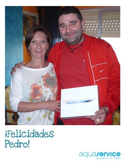 Así se gana un nuevo iPad. Pedro es el sonriente propietario del iPad que sorteamos en Fallas. ¡Enhorabuena!