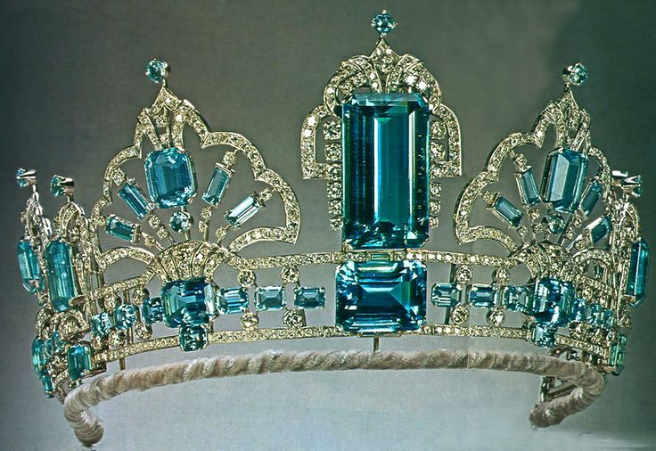 Brazilian Aquamarine Tiara (new form), United Kingdom (1971; made by Garrard; aquamarines, diamonds, platinum).