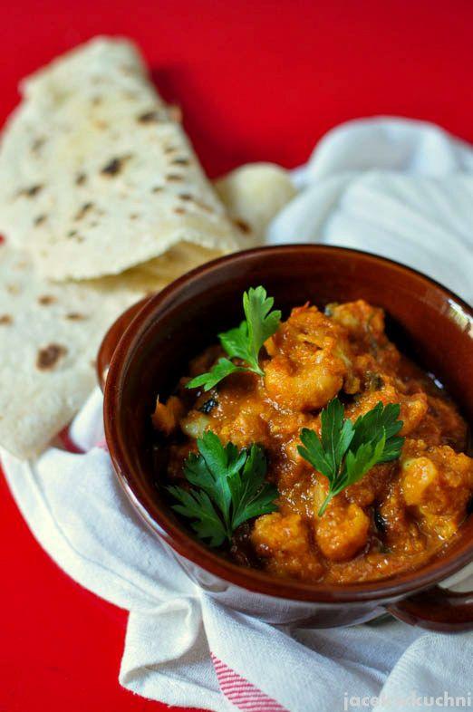 Już tęsknię za letnią świeżością i taniością warzyw. Chcąc powspominać trochę indyjskie kursy gotowania postanowiłem uszlachetnić zwykłego...