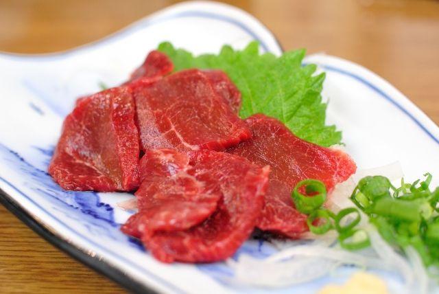 なぜ「さくら」? 馬の肉を「さくら肉」と呼ぶ理由