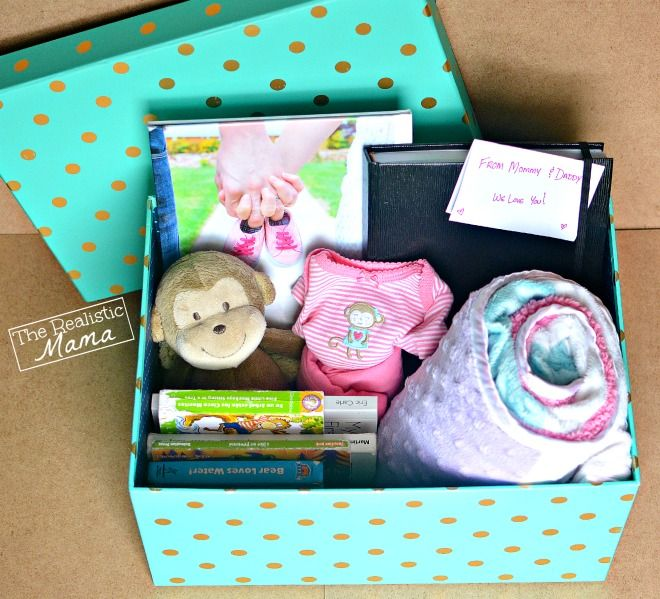 Make your own baby memory box to save all those first memories. Includes a detailed list of what to include.