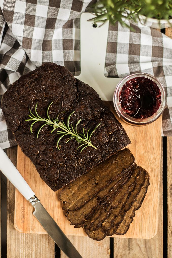 MniuMniu - Kuchnia roślinna: WEGAŃSKA ZIOŁOWA PIECZEŃ SEITANOWA, IDEALNA!