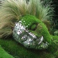 Grass / Moss Sculpture.....Crazy!Nymphs, Gardens Sculpture, Dreams, Nature, Chelsea Flower Show, Greenhouses, Gardens Art, Yards Art, Gardens Mosaics