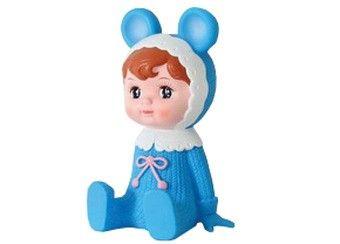 """www.leukverjaardagsfeestje.nl Schattige """"Woodland Doll"""" Spaarpot De retro popjes houden graag alle centjes van je kleine spruit bij. Bij een verjaardag, tijdens de feestdagen of een speciale gelegenheid zal het spaarpotje snel gevuld zijn! Elk spaarpotje is met de hand afgewerkt en komt in een mooie geschenkdoos. De Woodland Doll spaarpot is gewoon een prachtige decoratie! Onderaan zit een dop, zodat je tijdig de spaarpot kan ledigen.   € 38,50"""