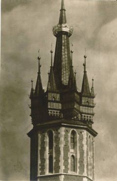 [Steeple of Kościół Mariacki] :: Jan Bulhak Collection :: Digital Collections :: University at Buffalo Libraries. Click the image to visit the University at Buffalo Libraries Digital Collection and learn more about the photograph. #ublibraries #polishroom #JanBulhak #Poland #churches