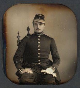 1858- Portrait d'un élève de l'Ecole impériale spéciale militaire de Saint Cyr | Photographie : William Thompson