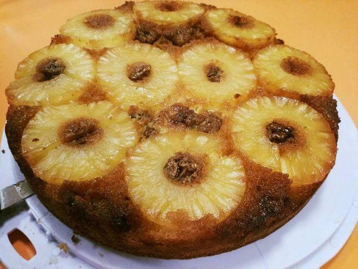 Torta rovesciata ananas e noci formato XXL