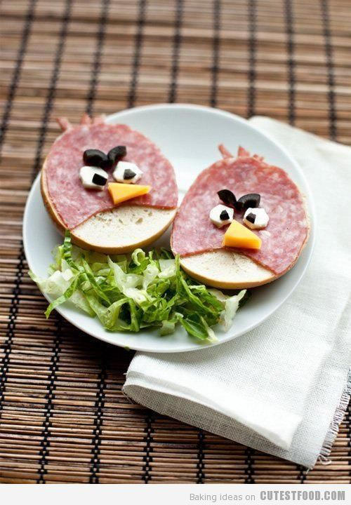 Angry Bird salami & Bagel: Fun Food, Birds Sandwiches, Kids Lunches, Funfood, For Kids, Angry Birds Food, Lunches Boxes, Schools Snacks, Bagels