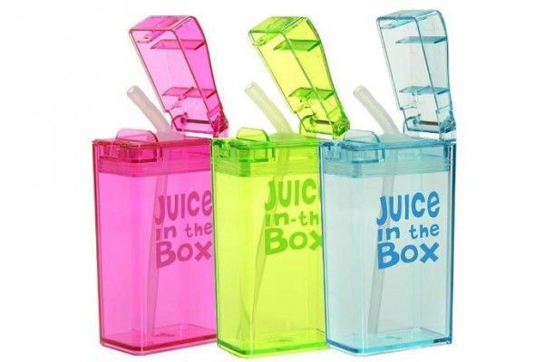 Juice-in-the-Box reusable juice boxes for school lunches. These are so so smart! And earth friendly too.