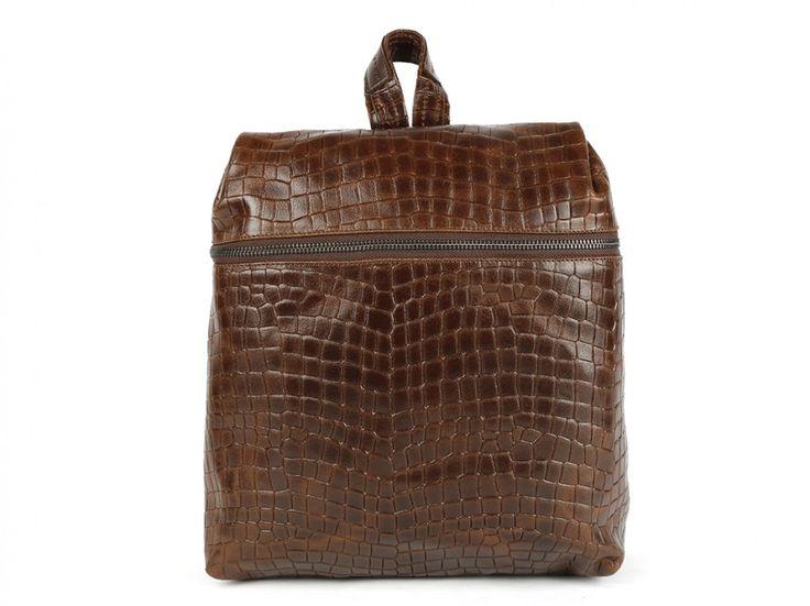 Excepcional bolso mochila de tamaño mediano elaborado en piel vacuno de primera…