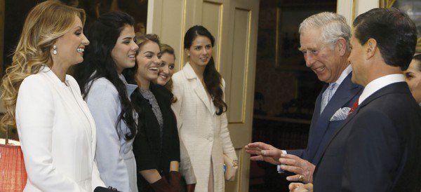 Viaja EPN con familia y amigos en giras internacionales - Aristegui Noticias