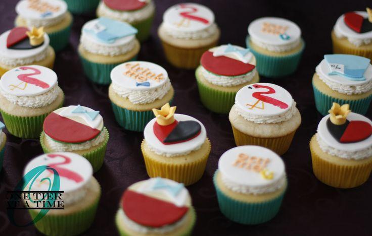 Alice in Wonderland first birthday cupcakes