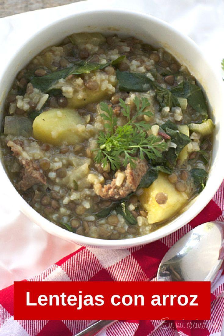 Lentejas, receta chilena En invierno no hay como un plato de lentejas con longaniza, arroz y papas. Uno de mis platos favoritos.