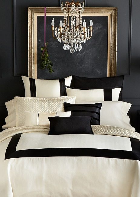 Beautiful black and white bedding.