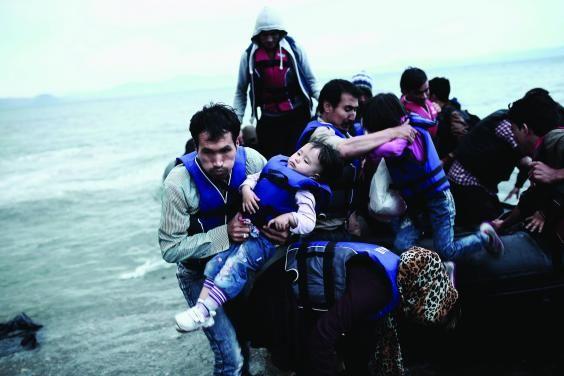 Ανάμεσα στους νικητές του σημαντικότερου ίσως διαγωνισμού φωτογραφίας του κόσμου, του Sony World Photography Awards, οι οποίοι ανακοινώθηκαν χθες το βράδυ, είναι και ο Έλληνας Άγγελος Τζωρτζίνης που τιμήθηκε για τις εικόνες του από την προσφυγική κρίση.