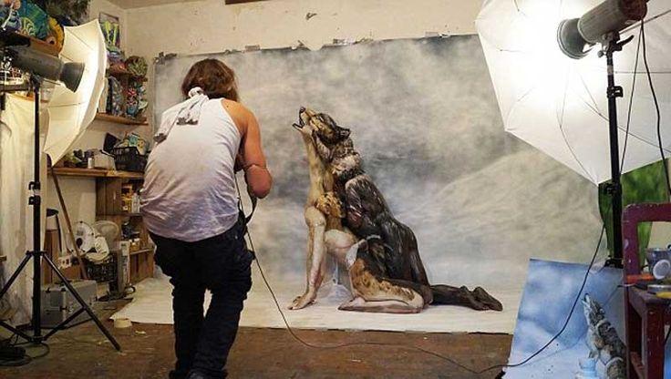 Yetenekli İtalyan ressam, üç çıplak kadının bir araya gelerek oluşturduğu ve 'kurt' adını verdiği eseriyle izleyicileri hayran bıraktı. Detaylar ajanimo.com'da.. #ajanimo #ajanbrian #sanat #art #hayvan #kurt #resim