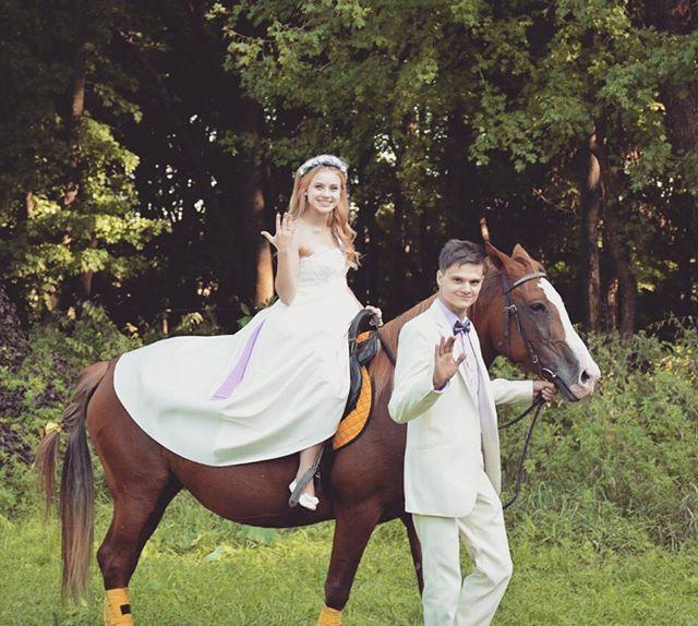 Instagram media by luchik_mega - Вот и принц #свадьба#отрыв#love #lovestory #сюрприз#лошадь#все#было#круто#былижвремена #wedding