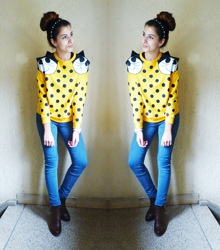 We love the way this sweater is styled by German fashionblogger Gigi. http://shop.youtopia.se/sv/top/felix-cat-troja