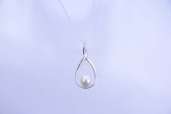 Mother of the Bride or Groom Mother Gift, Pearl Necklace