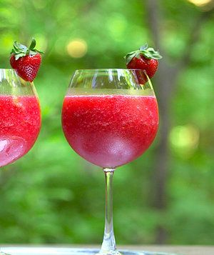 INGREDIENTS  1 (750 ml.) bottle of dry rosé 10ounces fresh strawberries (about 2 cups, sliced), plus more for garnish (optional) 1tablespoon granulated sugar ¼cup vodka 2tablespoons grenadine