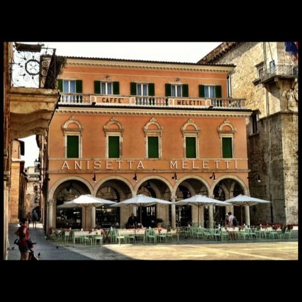 Piazza del popolo - Ascoli Piceno - Cafè Meletti ... where my grandparents went for coffee! In their honor, we went and drank Rosso Piceno.