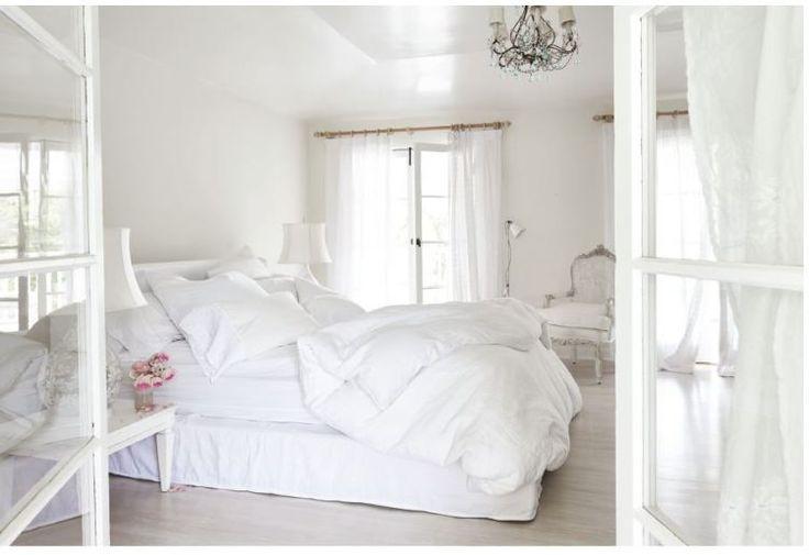 Inside Rachel Ashwell's Shabby Chic Home Bedroom