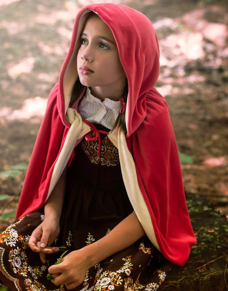 "Please vote for my #photo ""Time To Ponder"" in the Natural Light #photocontest on #Viewbug #LittleRedRidingHood #children #photography #fairytale  © Deena Roth Photography"