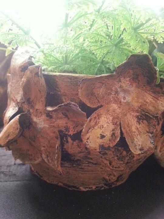 Tokreen pot by Caren