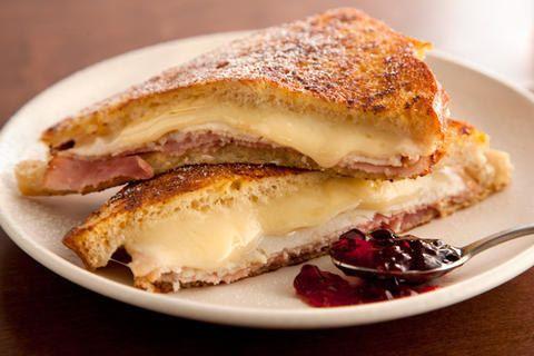 Torrada francesa de sanduíche de presunto e queijo                                                                                                                                                                                 Mais