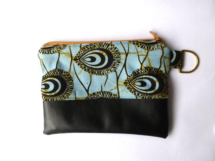 Pochette petit tissu batik africain par LeniSomethingBoHo sur Etsy https://www.etsy.com/fr/listing/265662709/pochette-petit-tissu-batik-africain