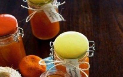 Marmellata di mandarini - Ecco per voi la ricetta per preparare la marmellata di mandarini in casa vostra, una conserva buonissima e versatile ottima da gustare al mattino sul pane caldo.