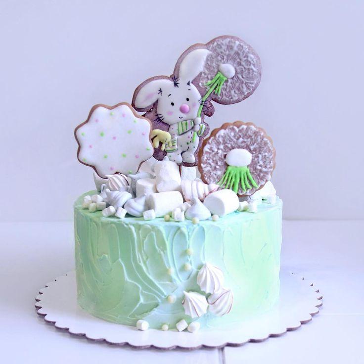 118 отметок «Нравится», 3 комментариев — Ирина Вендик (@irina.vendik) в Instagram: «Ещё один детский малыш . Тортик с пряничными топперами на детский день рождения . Вес тортика 3 кг…»
