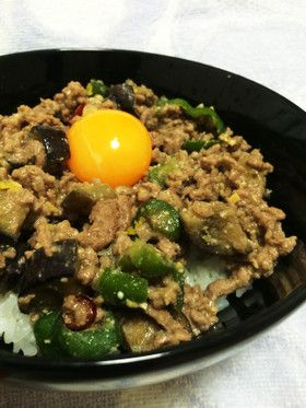 Pork Miso Don with Egg plant and Green pepper 夏が旬*ナスとピーマンの肉みそ丼