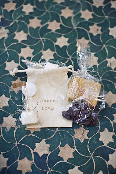 Bag marshmallows and graham crackers in cellophane bags.  Maybe use ribbon to tie them...: Reception, Wedding Ideas, Favors Oot Bags, S More, Diy Smores, Wedding Favours, Tile Pattern, Diy Wedding